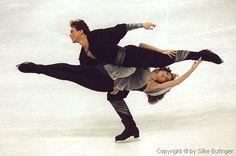 Ice Dancing - Marina Klimova and Sergei Ponomarenko - 1992 Olympics - Their Free Dance Olympic Ice Skating, Roller Skating, Figure Skating Quotes, 1992 Olympics, Figure Ice Skates, Gym Leotards, Athletic Events, Ice Skaters, Shall We Dance