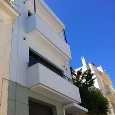 Nikolas Dorizas Architect, Tel: +30.210.4514048 Address: 36 Akti Themistokleous – Marina Zeas, Piraeus 18537 Αναστήλωση παλαιάς πολυκατοικίας στην Ακρόπολη και μετατροπή σε αφαιρετική μονοκατοικία για ένα ζευγάρι από το Αρχιτεκτονικό Γραφείο του Νικόλα Ντόριζα. Arch, Stairs, Home Decor, Longbow, Stairway, Decoration Home, Room Decor, Staircases, Wedding Arches