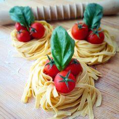 Tagliatelle pomodoro e basilico