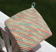 This morning I learned how to crochet a diagonal double thick hot pad!