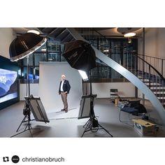 322 отметок «Нравится», 2 комментариев — ISO 1200 BTS (@iso1200magazine) в Instagram: «Behind the scenes by @christianobruch : Letzter #termin in #2017 in #olten #swiss #portrait im…»