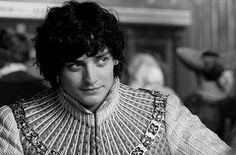 Aneurin Barnard as Richard III in The White Queen