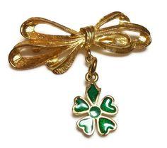 Vintage bow charm brooch with shamrock charm  终点