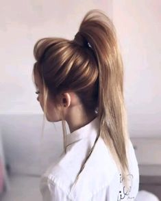 Best Ponytail Hair Tutorial Ever! Best Ponytail Hair Tutorial Ever! What a cute ponytail hair tutorial. I love this Hairstyle Ponytail Hairstyles Tutorial, Ponytail Tutorial, Girl Hairstyles, Wedding Hairstyles, Hair Ponytail, Braid Hairstyles, Hairstyles Videos, Quick Hairstyles, Hair Upstyles