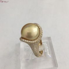 South sea pearl ring with 2 carats of diamond in 18k yellow gold