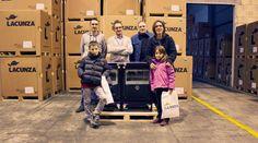 El martes hicimos la entrega de la cocina a la ganadora de nuestro concurso Lacunza. ¡Muchísimas felicidades de nuevo!