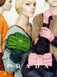 Prada FW2008. Sasha Pivovarova by Steven Meisel Diese und weitere Taschen auf www.designertaschen-shops.de entdecken