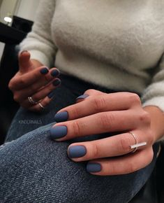 Natural Nails is a classic style in short nails, which is stylish and beautiful without affecting daily activities. A variety of colors and decorative patterns make natural nails more suitable for clothing for different occasions. Stylish Nails, Trendy Nails, Cute Nails, My Nails, Short Nail Designs, Nail Art Designs, Nail Manicure, Nail Polish, Manicure For Short Nails