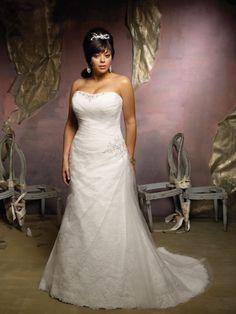 Abito da Sposa dritto con decorazione di strass su corpetto e in vita.