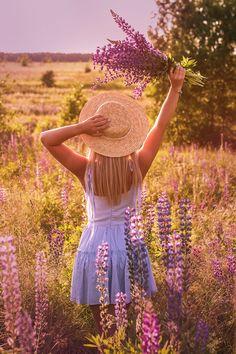 Люпины, поле, лаванда, соломенная шляпка, женская фотосессия. Баска, Фотосъемка, Фотография, Система Быстрых Записей, Мода, Картинки, Африка