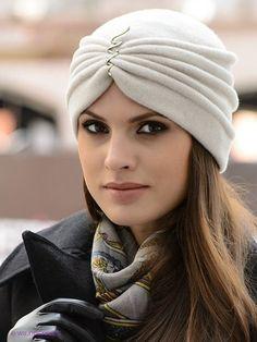 We sew warm beautiful hats - DIY, ideas for creativity - DIY Ideas Shop accessories for women at Urb Mode Turban, Turban Hijab, Turban Headbands, Hijab Style, Turban Style, Headdress, Headpiece, Jolie Lingerie, Love Hat
