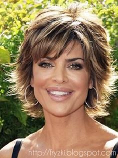 WWW.WLOSY.ES - KATALOG MODNYCH FRYZUR: Fryzura 40+ / dla dojrzałej kobiety, krótkie włosy 2012