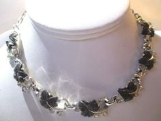 VINTAGE BLACK LEAF LEAVES DESIGN WITH RHINESTONE 1960S THERMOSET NECKLACE CHOKER