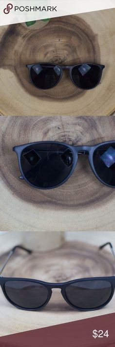 """Matte Black ERIKA style sunnies sunglasses 😎☀️ ERIKA style sunnies! ☀️   boutique brand! Retro style sunglasses. Each pair includes soft drawstring case, hard zipper case, and cleaning rag. Available in tortoise, matte black, and brown! Please see my other listings!   Width- 5.5""""  🚫trades 🚫lowball offers boutique Accessories Sunglasses"""