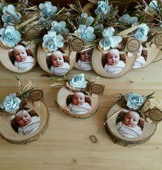 Fotoğraflı bebek magnet; bebeğinizin özel günlerinde unutulmaz bir hatıra bırakmanız için size özel hazırlanmaktadır, fotoğraflar tarafınızca temin edilir.