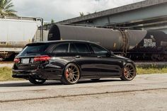 Mercedes-AMG E 63 S Estate delivered to Vossen Mercedes Glk 350, Mercedes Benz E63 Amg, E63 Amg Wagon, Europe Car, Merc Benz, Wagon Cars, Shooting Brake, Amazing Cars, Automobile