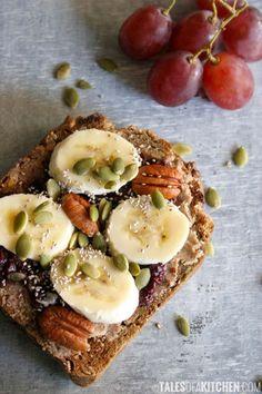 画像1 : 身体に優しい♡ピーナッツバター&ジェリーオープンサンドイッチの作り方 │ macaroni[マカロニ]
