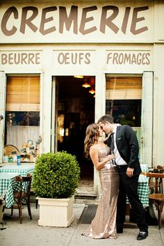 A stylish and all-out adorbale New York City engagement session by Lilian Haidar Photography, on www.mercinewyork.com/blog, a chic and stylish blog for fashionable brides