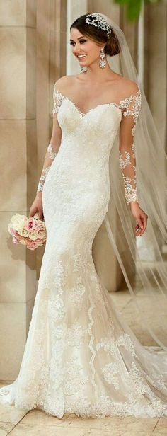 Off shoulder ivory lace sweetheart mermaid style...elegant!