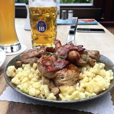 All about traditional Bavarian Foods, along with information on Oktoberfest and Munich restaurants.