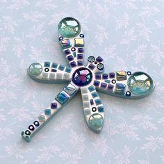 Mirror Mosaic, Mosaic Glass, Fused Glass, Mosaic Bottles, Mosaic Birdbath, Mosaic Wall, Stained Glass, Mosaic Crafts, Mosaic Projects