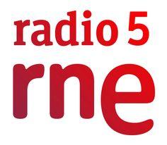 Ellas Pueden, comienza esta noche, a la una de la madrugada en Radio Nacional de España – Radio 5, y también se emitirá los sábados a las cuatro de la tarde. Es un programa pensado para dar visibilidad a la mujer que quieren poder, que quiere llegar, que quiere estar, que quieren que se cuente con ellas, y a través de las ondas de Radio Nacional de España vamos a intentar trasmitir esos deseos