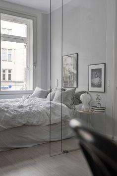 Top Home Interior Design Best Interior Design, Home Interior, Home Decor Bedroom, Modern Bedroom, Nice Bedrooms, Monochrome Bedroom, Bedroom Sets, Master Bedroom, Bedroom Storage