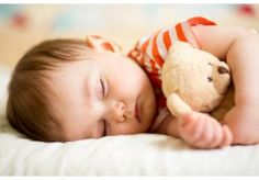 Do you have trouble getting your baby to sleep at night? Perhaps you have issues with putting them down to sleep without them being out cold.Perhaps you have issues with . Read Ultimate Tips to Get Your Baby Sleep Through The Night Baby Sleep Site, Kids Sleep, Child Sleep, 12 Month Sleep Regression, How To Relax Yourself, Baby Bedtime, Baby Mattress, Popular Baby Names, Sleep Early