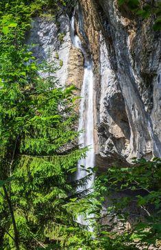 Wanderung vom Klausenpass zum Griesslisee beim Claridengletscher › 2CoinsTravel Kanton, Waterfall, Outdoor, Switzerland, Hiking, Outdoor Games, The Great Outdoors, Garden