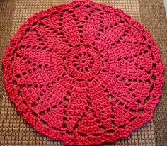 Crochet Doilies, Crochet Lace, Hand Embroidery, Diy And Crafts, Blanket, Creative, Fun, Crochet Sachet, Round Shag Rug