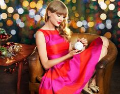 Christmas and Taylor♡ Taylor Swift Fan Club, Taylor Swift Gallery, All About Taylor Swift, Taylor Swift Web, Taylor Swift Pictures, Taylor Alison Swift, Taylor Swift Christmas, Country Music Singers, Christmas Aesthetic