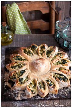 Calzone « tournesol » à la fondue de courgette, basilic et mozzarella ( Végétarien, Sans Oeufs, IG modéré )