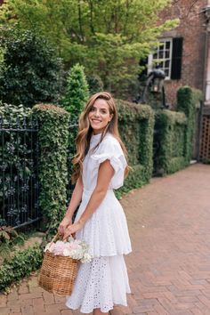 Gal Meets Glam The Best of Spring Skirts Veronica Beard Shirt, Place Nationale Skirt, Alexandre Birman Wedges, Serpui Bag All White Outfit, White Outfits, Dress Outfits, White Dress, Woman Outfits, Fashion Outfits, Fashion Tips, Spring Summer Fashion, Spring Outfits