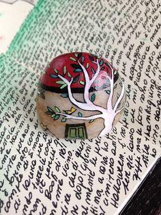 Sasso artistico casa in miniatura con alberi bianchi - Pietra dipinta a mano - Decorazione per la casa e per lufficio - Casa in pietra da collezione