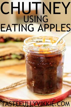 Sweet & delicious apple chutney recipe using eating apples Slow Cooker Apples, Cooked Apples, Brownie Recipes, Dessert Recipes, Desserts, Candy Recipes, Vegan Recipes, Christmas Chutney, Slow Cooker Slimming World