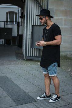Look masculino Camiseta compridona