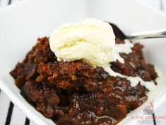 This sweet slow cooker sticky date pudding is the perfect way to finish off a busy day. It's relatively easy to get cooking and tastes amazing! Savoury Pastry Recipe, Pastry Recipes, Slow Cooker Recipes Dessert, Dessert Recipes, Baking Desserts, Cooking Recipes, Pudding Desserts, Pudding Recipes, Sticky Date Pudding