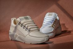 Chunky Rock Royal in beige of wit. Onze favoriet! Welke kleur is jouw favoriet? . . #DeSplenterSchoenen #Schoenenwinkel #Terneuzen #Goes #Hulst #Sneakers #Nubikk #Spring #Lente #Summer #Zomer #SS21 #Beige #White #Wit #LeatherSneakers #Sneakerlover #ChunkySneakers #ChunckySole #FreddyDirickxPhotography Loafer, High Tops, Fashion Shoes, High Top Sneakers, Slippers, Spring Summer, Beige, Sandals, Loafers