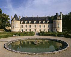 Château de Bussy-Rabutin en Bourgogne, France. #BussyRabutin #leCMN