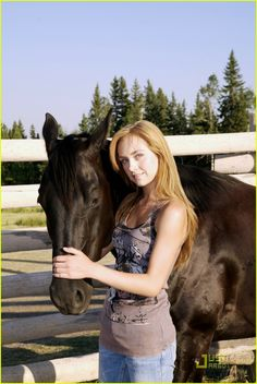 Amber Marshall and Spartan on Heartland Heartland Ranch, Heartland Tv Show, Heartland Seasons, Amber Marshall, Blake Lively, Heartland Characters, Cowgirl Pictures, Heartland Quotes, Horse Braiding