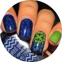 """I did something simple and paired 💙 @paintedpolishbylexi """"2015""""💙 💚 @blisspolish """"Prototype N""""💚 and added some stamping using #gogoonly St. Happy plate♣️ Have a safe and amazing trip, Bev!💕"""