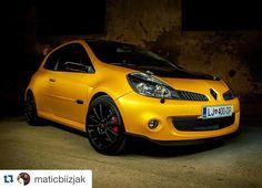 Clio Sport, Lewis Hamilton, Car Engine, Automobile, Garage, Sporty, Bike, France, Cars