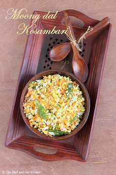 Salads can be served as a part of a meal while few varieties can be eaten as a whole meal by itself.The Salad which I am sharing today i. Indian Vegetarian Dishes, Indian Salads, Indian Snacks, Indian Food Recipes, Indian Foods, Fun Cooking, Cooking Recipes, Pulses Recipes, Traditional Indian Food