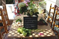 molly swoons: A FLOWER ARRANGING PARTY | Think of fun ideas for summer parties with this flower arrangement inspiration.