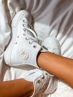 Dr Shoes, Swag Shoes, Hype Shoes, Me Too Shoes, Mode Converse, Converse Outfits, Converse Style, Converse Shoes, Cute Sneakers
