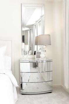 New bedroom neutral glam lamps Ideas Black Headboard, Headboard Decor, Glam Master Bedroom, Trendy Bedroom, Grey Wallpaper, Wallpaper Decor, Glam Lamps, Bedroom Furniture, Bedroom Decor