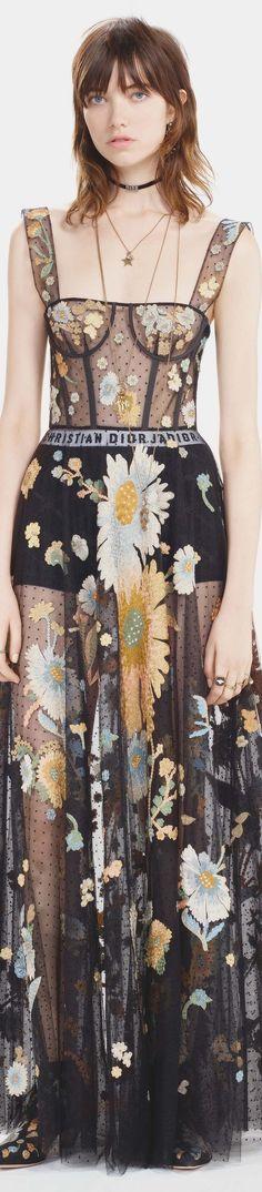 Elie Saab Fall 2016 Couture Fashion Show Dior Couture, Couture Fashion, Runway Fashion, Fashion Moda, High Fashion, Fashion Show, Beautiful Gowns, Beautiful Outfits, Elie Saab Fall