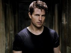 Tom Cruise Hairstyle - Hairstyle Ideas for Men Hollywood Actor, Hollywood Stars, Hollywood Celebrities, Ethan Hunt, Mission Impossible, Music Like, Men's Toms, Katie Holmes, Famous Men