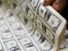 Em mais um dia de alta, dólar vai a R$ 3,53. Nesta quarta-feira, a moeda americana fechou o dia valendo quase 3,49 reais, o maior valor em doze anos; só nos últimos cinco pregões, a divisa já acumula alta de 4,8%.