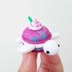 Unicorn macaron frappiturtle with no sour but extra fairy dust and cuteness coming right up! ClaybieCharms at your service 😁🖒🦄💖 Planning a… Fimo Kawaii, Polymer Clay Kawaii, Polymer Clay Charms, Polymer Clay Creations, Diy Clay, Clay Crafts, Bolo Tumblr, Polymer Clay Turtle, Cute Baking